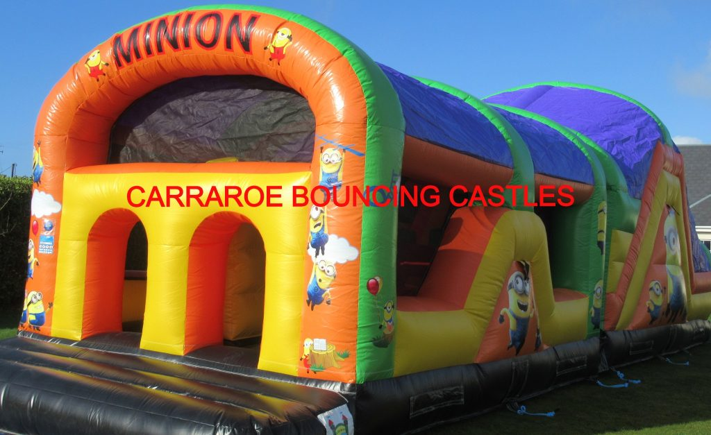 MINION OBSTACALE COURSE BOUNCING CASTLE